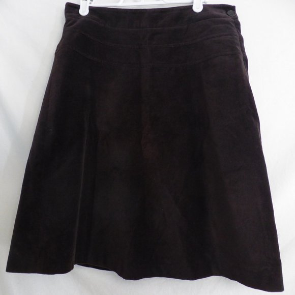 RW&CO. brown skirt with button, partial zip side